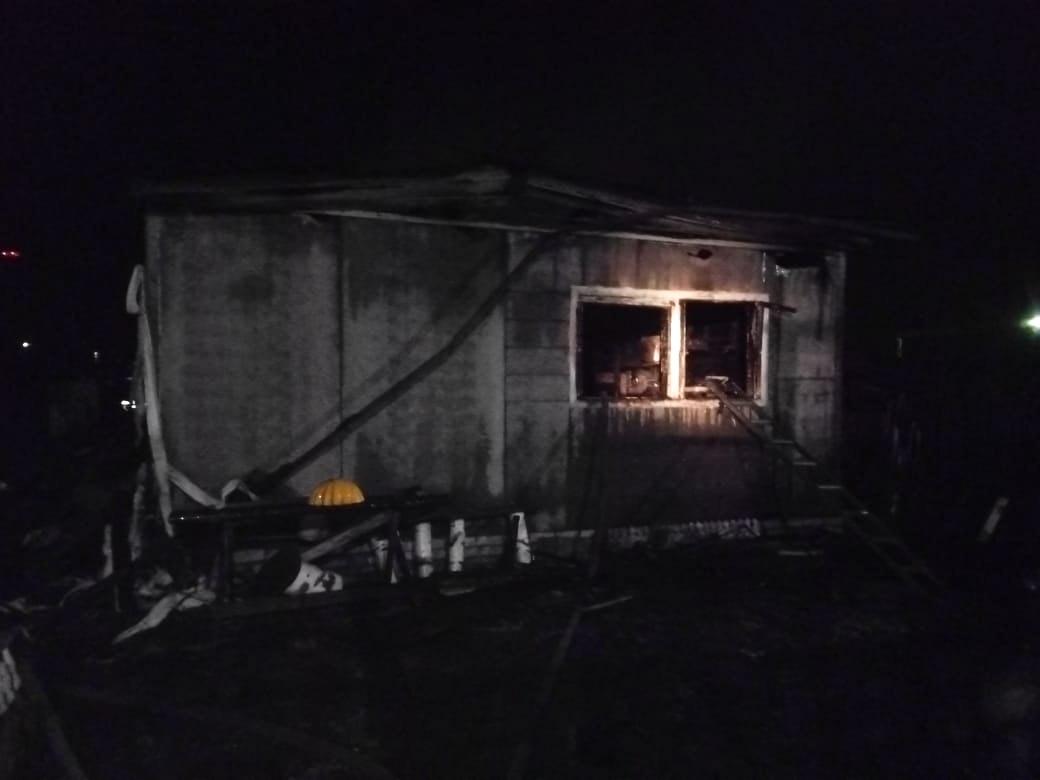 Следственный комитет проводит проверку по факту гибели двух женщин на пожаре в Кимрах